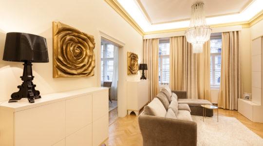 Béžový luxus s akcenty zlaté